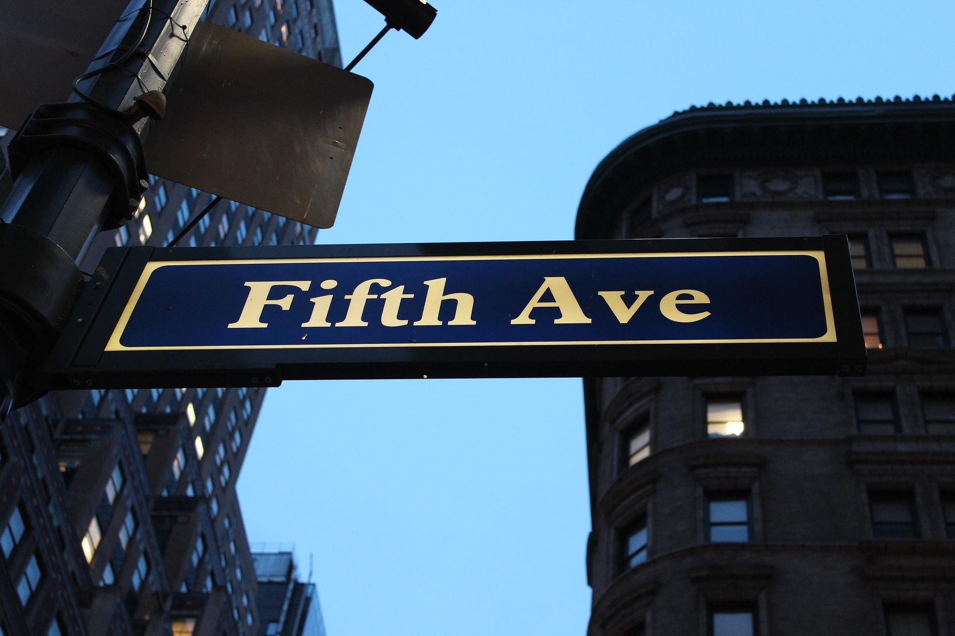 Відсутність артикля в назвах вулиць в англійському