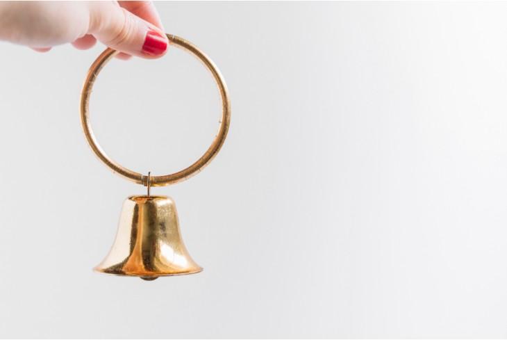 Ідіома ring a bell в англійській